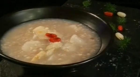 降糖清火的苦荞山药粥的做法