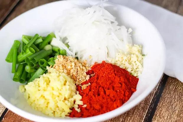 煎蛋拌白金荞米饭