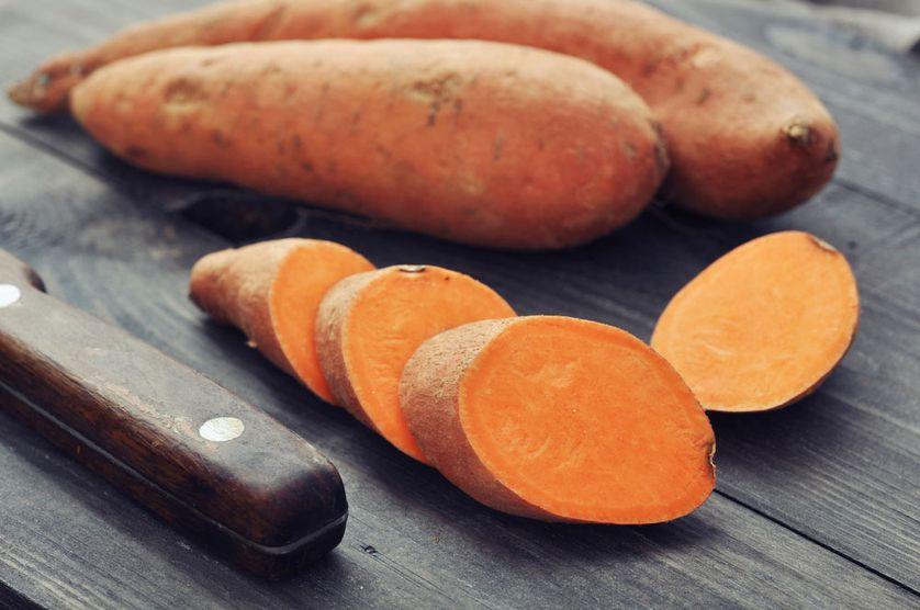 红薯中富含钾元素,可以用来补充钾。